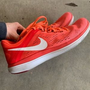 NIKE Flex 2016 running shoe